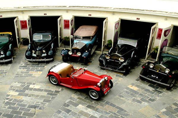 Vintage-Car-Museum-Udaipur-top-tourist-places-list-best-tour-company-in-udaipur-rajasthan