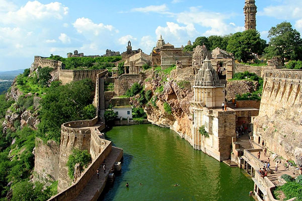 chittorgarh-fort-udaipur-site-seen-list-best-tour-&-travel-company-in-udaipur-rajasthan