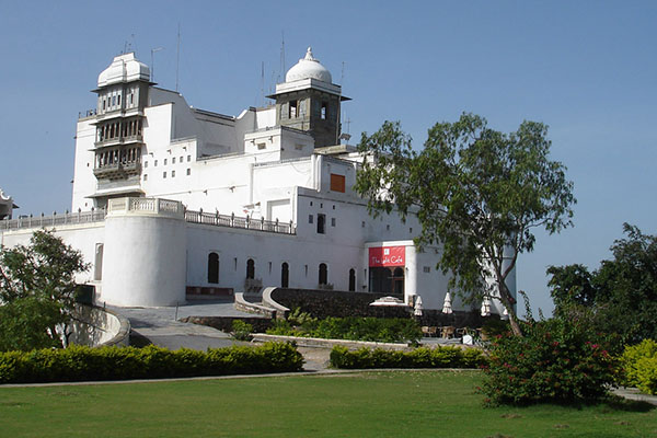 mansoon-palace-tourist-places-in-udaipur-best-tour-company-in-udaipur-rajasthan