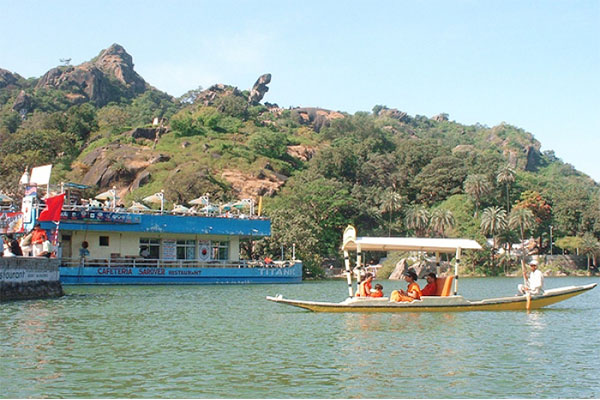 mount-abu-Udaipur-top-tourist-places-list-best-tour-travel-company-in-udaipur-rajasthan